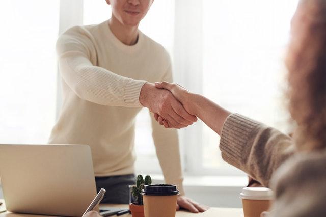 Szeroka baza klientów i partnerów transportowych